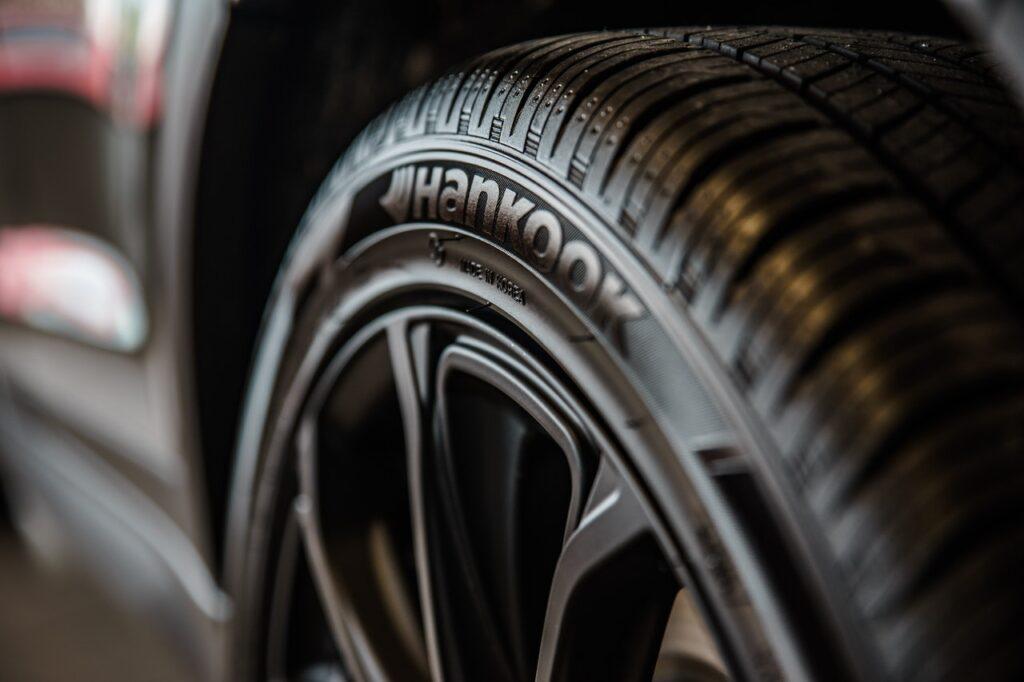 clean car wheels